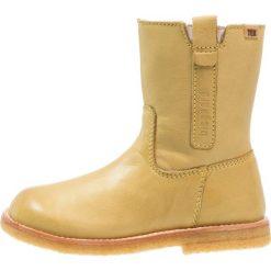 Bisgaard Kozaki yellow. Żółte buty zimowe damskie marki Bisgaard, z materiału, na wysokim obcasie. W wyprzedaży za 370,30 zł.