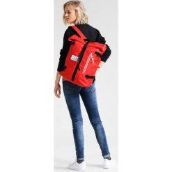 Plecaki damskie: POLER CLASSIC ROLLTOP Plecak bright red