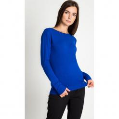 32ad6a3bbc Kobaltowy sweter z błyszczącą lamówką przy dekolcie QUIOSQUE. Niebieskie  bez kategorii QUIOSQUE