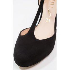 Unisa NETAN Czółenka na platformie black. Czarne buty ślubne damskie marki Unisa, z materiału, na platformie. W wyprzedaży za 367,20 zł.