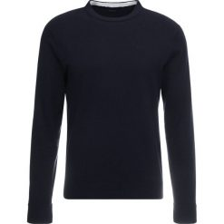 Armani Exchange Sweter navy. Czarne swetry klasyczne męskie marki Armani Exchange, l, z materiału, z kapturem. Za 399,00 zł.