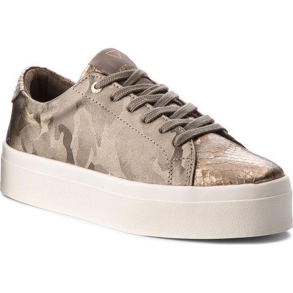 cc2e27b0edb29 Sneakersy GUESS - FLFHL3 FAB12 GREY - Szare sneakersy damskie marki ...