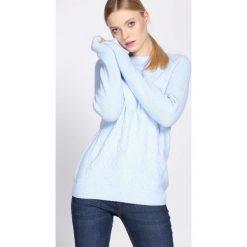 Jasnoniebieski Sweter Prevalent. Szare swetry klasyczne damskie Born2be, xl, z okrągłym kołnierzem. Za 69,99 zł.