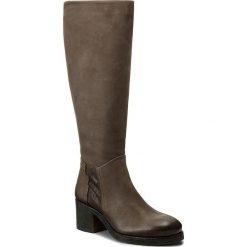 Kozaki TAMARIS - 1-25540-29 Graphite 206. Brązowe buty zimowe damskie Tamaris, z materiału, na obcasie. W wyprzedaży za 269,00 zł.