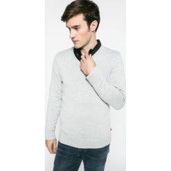 Levi's - Sweter. Brązowe swetry klasyczne męskie Levi's®, l, z bawełny. W wyprzedaży za 169,90 zł.