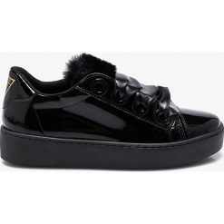 Guess Jeans - Buty. Czarne buty sportowe damskie Guess Jeans, z aplikacjami, z jeansu. Za 529,90 zł.