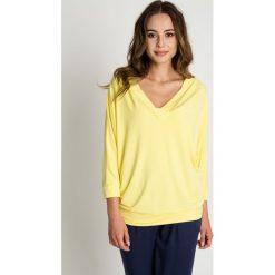 Bluzki, topy, tuniki: Żółta bluzka nietoperz z dekoltem w serek BIALCON