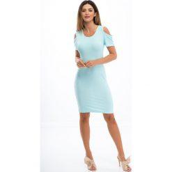 Miętowa sukienka z odkrytymi ramionami 3556. Niebieskie sukienki marki Reserved, z odkrytymi ramionami. Za 47,20 zł.