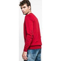 Medicine - Sweter Graphic Monochrome. Czerwone swetry klasyczne męskie marki MEDICINE, l, z bawełny. W wyprzedaży za 79,90 zł.