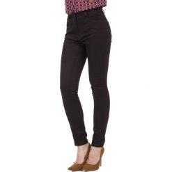 Brązowe eleganckie spodnie  BIALCON. Brązowe spodnie z wysokim stanem marki BIALCON. W wyprzedaży za 137,00 zł.