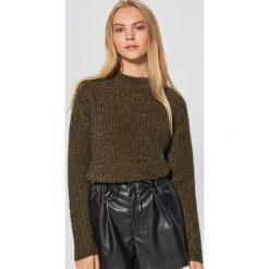 Sweter z drobnym splotem - Khaki. Żółte swetry klasyczne damskie marki ekoszale, ze splotem. Za 69,99 zł.