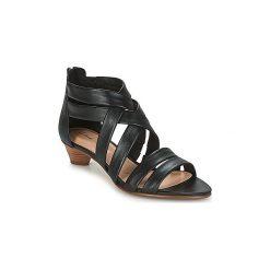Sandały Clarks  MENA SILK. Czarne sandały damskie marki Clarks, z materiału. Za 439,00 zł.