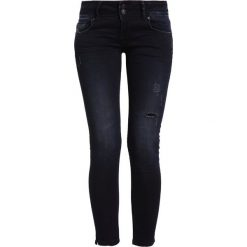 LTB GEORGET Jeansy Slim Fit miracle wash. Czarne jeansy damskie marki LTB, z bawełny. W wyprzedaży za 181,35 zł.