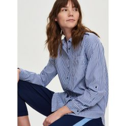 Koszula w paski - Niebieski. Koszule w niebieskie paski marki Sinsay, l. Za 59,99 zł.