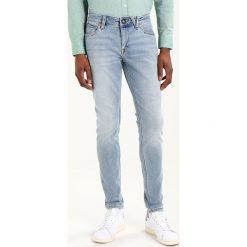 Volcom Jeansy Slim Fit angled bleach wash. Niebieskie jeansy męskie Volcom. Za 319,00 zł.