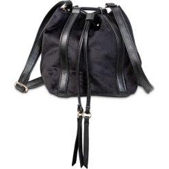 Torebka na ramię bonprix czarny. Zielone torebki worki marki bonprix, w kropki, z kopertowym dekoltem, kopertowe. Za 69,99 zł.