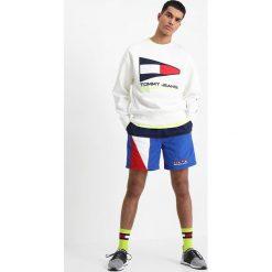 Tommy Jeans 90S Bluza white. Białe bluzy męskie Tommy Jeans, m, z bawełny. W wyprzedaży za 389,35 zł.