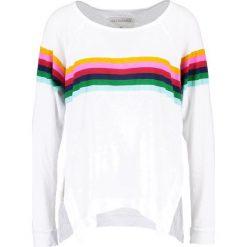 Bluzki asymetryczne: True Religion RAINBOW RELAXED  Bluzka z długim rękawem white