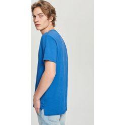 T-shirty męskie: T-shirt z dekoltem v-neck – Niebieski
