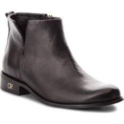 Botki CARINII - B4342 E50-000-000-C97. Czarne buty zimowe damskie marki Carinii, ze skóry, na obcasie. W wyprzedaży za 239,00 zł.