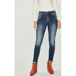 Answear - Jeansy. Niebieskie jeansy damskie rurki marki ANSWEAR, z denimu. W wyprzedaży za 119,90 zł.