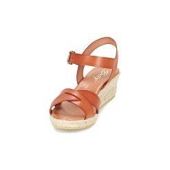 Sandały Betty London  GIORGIA. Brązowe sandały trekkingowe damskie marki Betty London. Za 289,00 zł.