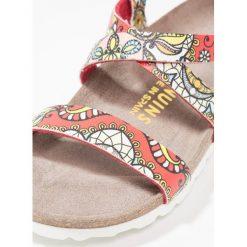Genuins ALPI Sandały red. Czerwone sandały chłopięce Genuins, z materiału, z otwartym noskiem. W wyprzedaży za 146,30 zł.