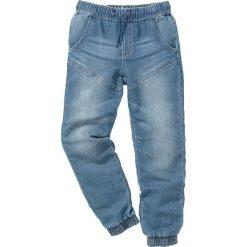 """Miękkie dżinsy bonprix niebieski """"stone"""". Niebieskie jeansy męskie z dziurami marki bonprix, z nadrukiem, bez rękawów. Za 99,99 zł."""