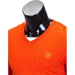 SWETER MĘSKI E74 - JASKRAWY POMARAŃCZOWY. Brązowe swetry klasyczne męskie Ombre Clothing, m, z bawełny, z dekoltem w serek. Za 49,00 zł.