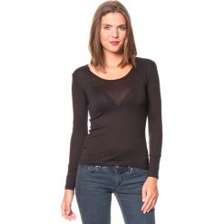 Koszulka w kolorze czarnym. Czarne bluzki z odkrytymi ramionami Assuili, klasyczne, z okrągłym kołnierzem, z długim rękawem. W wyprzedaży za 45,95 zł.