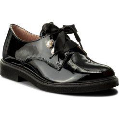 Oxfordy EKSBUT - 28-4982-121-1G Czarny. Czarne jazzówki damskie Eksbut, z lakierowanej skóry, na płaskiej podeszwie. W wyprzedaży za 229,00 zł.