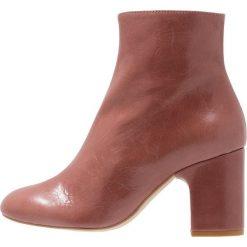 Office APPLAUSE Ankle boot pink. Czerwone botki damskie skórzane marki Office. Za 479,00 zł.