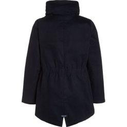 Bench Parka essentially navy. Szare kurtki dziewczęce marki Bench, z bawełny, z kapturem. W wyprzedaży za 303,20 zł.