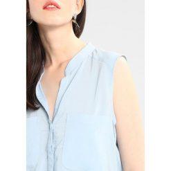 Bluzki asymetryczne: Vero Moda VMERIKA SOLID  Bluzka blue