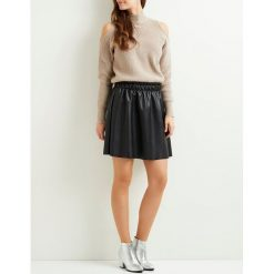 Minispódniczki: Krótka, prosta, gładka spódnica