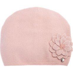 Wełniana różowa czapka z kwiatem QUIOSQUE. Czerwone czapki zimowe damskie QUIOSQUE, z poliamidu. Za 99,99 zł.