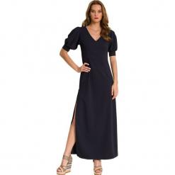 Sukienka w kolorze granatowym. Niebieskie długie sukienki marki Almatrichi, s, proste. W wyprzedaży za 199,95 zł.