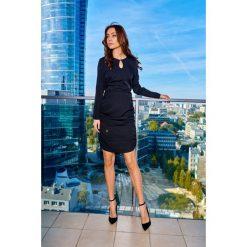 VIVIEN Kobieca sukienka z marszczeniami czarny. Czarne długie sukienki Lemoniade, na co dzień, z długim rękawem. Za 159,90 zł.