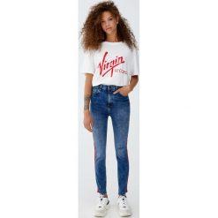 Jeansy skinny fit z lampasami. Niebieskie jeansy damskie relaxed fit Pull&Bear, z jeansu. Za 139,00 zł.