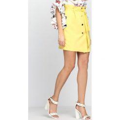 Żółta Spódnica Dreaming On The Sun. Żółte minispódniczki marki Mohito, l, z dzianiny. Za 69,99 zł.