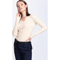 Swetry klasyczne damskie: Beżowy Sweter I Like It!