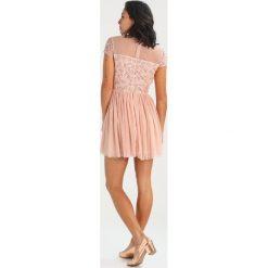 Lace & Beads Petite VIENNA SKATER Sukienka koktajlowa nude. Różowe sukienki koktajlowe Lace & Beads Petite, z materiału, petite. W wyprzedaży za 342,30 zł.