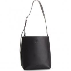 Torebka CALVIN KLEIN - Strapped Bucket K60K604842 Black 001. Czarne listonoszki damskie Calvin Klein, ze skóry. Za 849,00 zł.