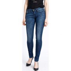 Diesel - Jeansy Skinnzee. Niebieskie jeansy damskie Diesel, z bawełny, z obniżonym stanem. W wyprzedaży za 399,90 zł.