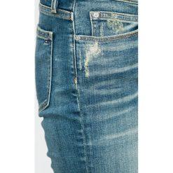 Tommy Hilfiger - Jeansy. Niebieskie jeansy damskie marki TOMMY HILFIGER, z bawełny. W wyprzedaży za 569,90 zł.