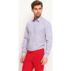 KOSZULA DŁUGI RĘKAW MĘSKA SLIM FIT. Szare koszule męskie slim marki Top Secret, m, z klasycznym kołnierzykiem, z długim rękawem. Za 39,99 zł.