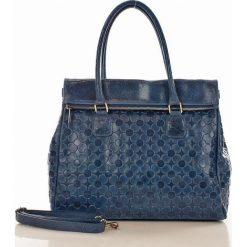 Torebka włoska kuferek skóra MAZZINI CORNELIA - niebieska. Niebieskie kuferki damskie marki MAZZINI, w paski, ze skóry. Za 299,00 zł.