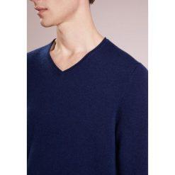 FTC Cashmere Sweter nautica. Niebieskie swetry klasyczne męskie FTC Cashmere, m, z kaszmiru. W wyprzedaży za 581,40 zł.