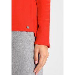 Swetry klasyczne damskie: Rich & Royal CREW NECK Sweter flame red
