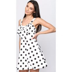 Sukienki: Biała Sukienka La La Love